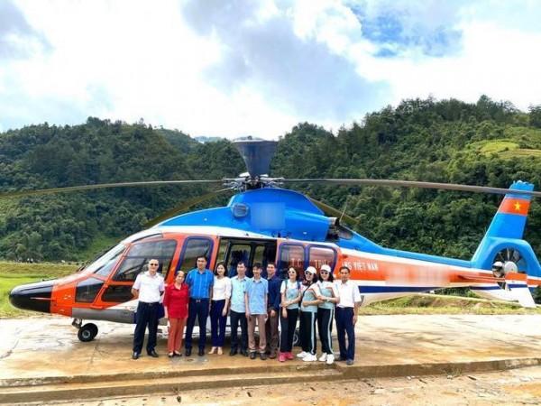 Từ 2021, du khách có thể ngồi trực thăng ngắm Mù Cang Chải trên cao
