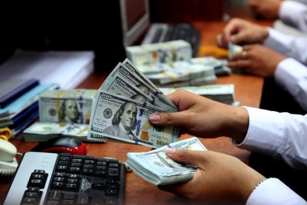 Ngân hàng lớn tăng giá USD