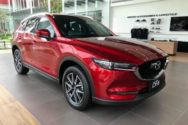 Thị trường ô tô rớt giá mạnh, có mẫu xe giảm gần 200 triệu đồng
