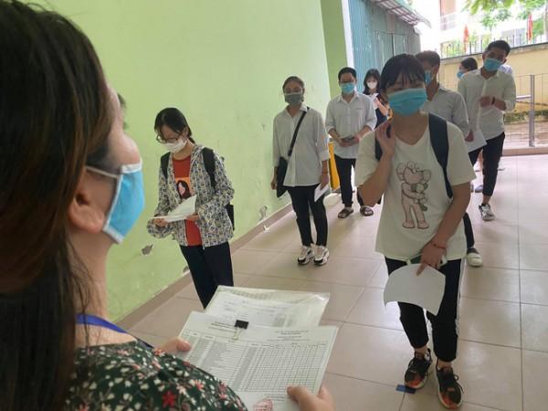 Chuyển địa điểm thi tốt nghiệp THPT ở Hà Nội do phát hiện cán bộ coi thi là F2