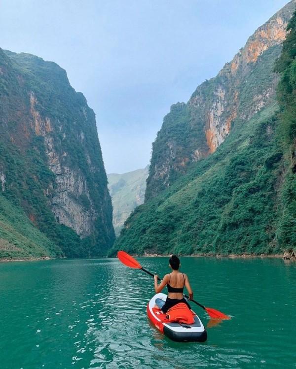 Trải nghiệm chèo thuyền kayak sông Nho Quế ở Hà Giang