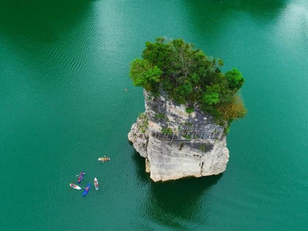 Hồ Na Hang – Hồ thủy điện Tuyên Quang,  viên ngọc giữa đại ngàn