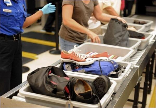 Đại lý vé máy bay - Mẹo qua cửa an ninh tại sân bay