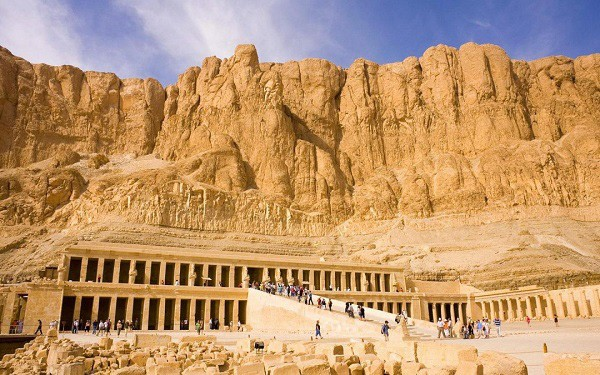Tìm vé máy bay giá rẻ khám phá bảo tàng ngoài trời lớn nhất thế giới – Luxor