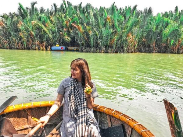 Đại lý vé máy bay online – Khám phá rừng dừa Bảy Mẫu