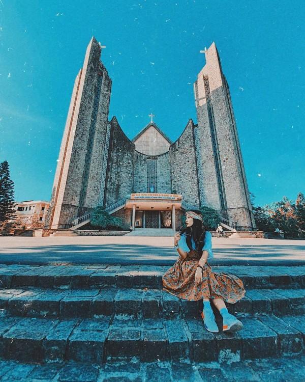 Đại lý vé máy bay giá rẻ - Nhà thờ có kiến trúc đẹp tựa trời Âu ở Huế