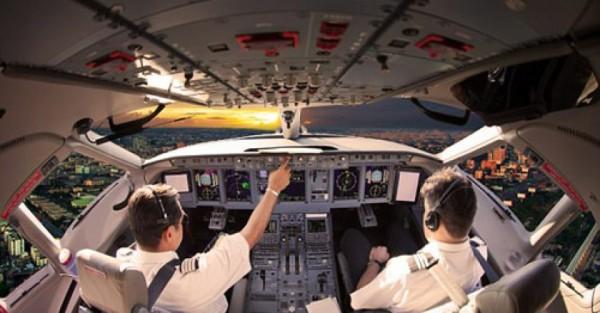 Khi phi công cố tình hù dọa làm hành khách đứng tim