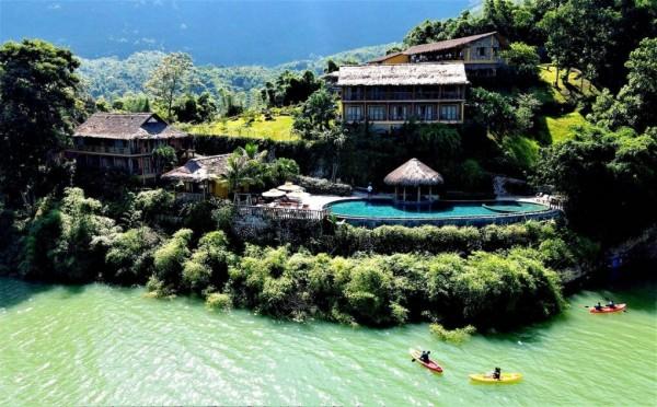 Nhiều khách Hà Nội đi nghỉ dưỡng ngoại tỉnh