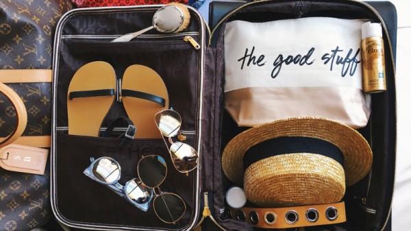 Đi du lịch cần mang theo những vật dụng nào